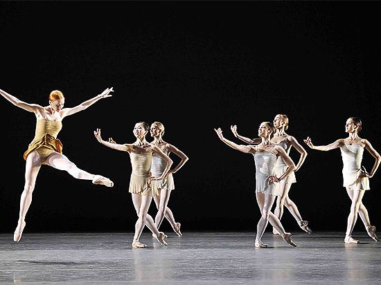 lyrical vs ballet What is the difference between jazz dance and contemporary dance in contemporary dance movements are often fluid and lyrical and flow into each other.