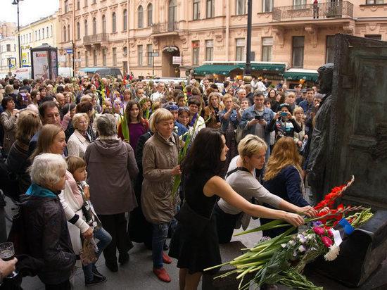 Праздник Довлатова в СПБ – «русского американца вспоминают на Родине»