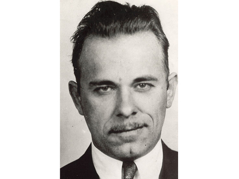 the life of john dillinger as an american gangster during the depression era of the united states John herbert dillinger ( june 22, 1903 – july 22, 1934) was an american gangster in the depression-era united states he operated with a group of men known as the dillinger gang or terror gang, which was accused of robbing 24 banks and four police stations, among other activities dillinger.